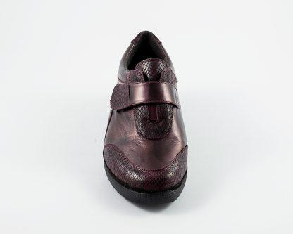 Zapato con velcro y parches en piel grabada Doctor Cutillas